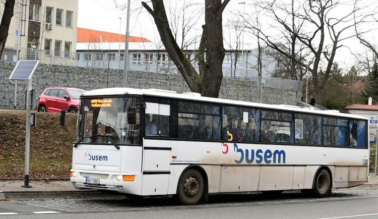 Za veřejnou linkovou dopravu zaplatí kraj 7,5 miliardy korun