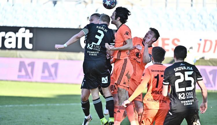 Bláznivý závěr. Dynamo ztratilo utkání s Boleslaví v nastavení, doma padlo podruhé v řadě