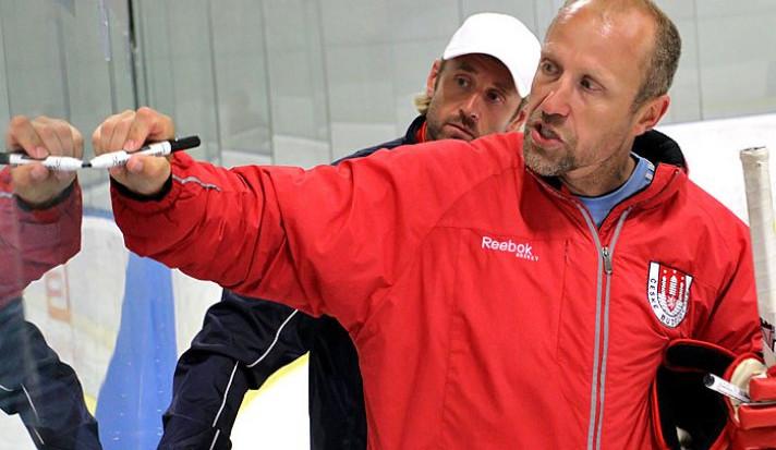 Novým trenérem Motoru je Jaroslav Modrý. S ním přichází také Martinec a Fousek
