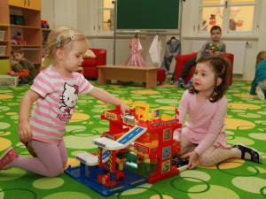 Zájem o krizové mateřské školy je v Budějcích vyšší než loni