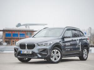 Parťák na výlet i sluha pro služební cesty. BMW X1 dokázalo skloubit luxus a kompaktnost za přijatelnou cenu
