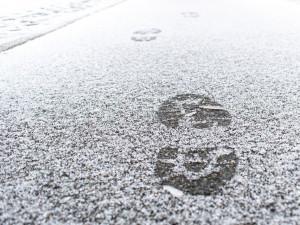 Téměř letní teploty vystřídá v Česku zima. Přijde silné sněžení