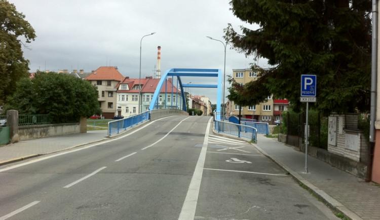 Modrý most čekají opravy za téměř tři miliony korun. Měsíc bude úplně uzavřený