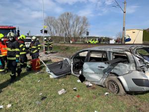 Další nehoda na železnici. Mezi Budějcemi a Hlubokou se střetl nákladní vlak s automobilem