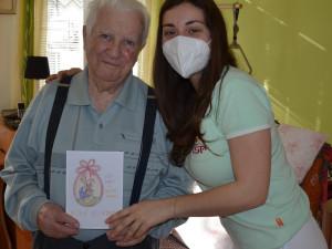 Obrázky od dětí dělaly radost seniorům a pečovatelům po celém kraji