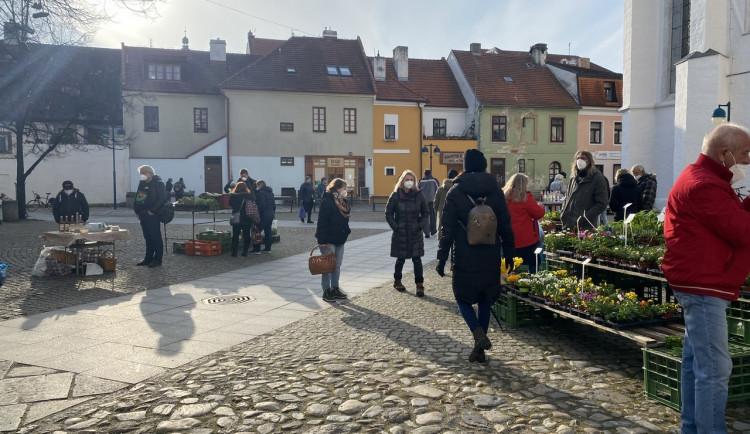 Na Piaristické náměstí se vrátily farmářské trhy