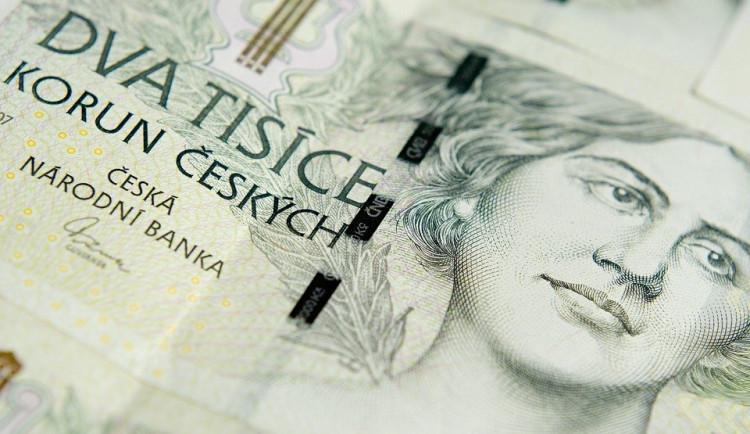 Dvojice si nabrala půjčky za 900 tisíc korun, které nesplácela. Teď čelí trestnímu stíhání