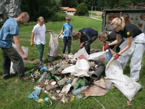 Do akce Ukliďme svět se zapojila i řada místa na jihu Čech
