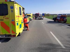 Vážná nehoda u Vodňan. Záchranná služba transportovala do nemocnice dva zraněné