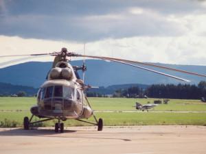 Letecká záchranka slaví výročí. Před třiceti lety byl zahájen provoz na letišti v Plané