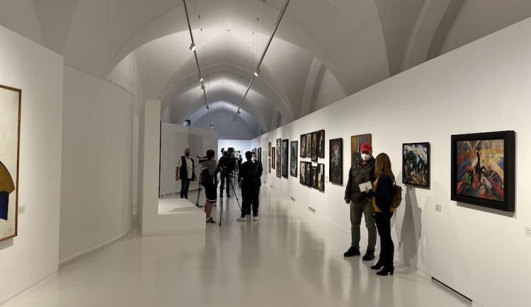 Alšova galerie dostala pro výstavu ruské avantgardy výjimku. Expozici může navštívit 25 osob za hodinu