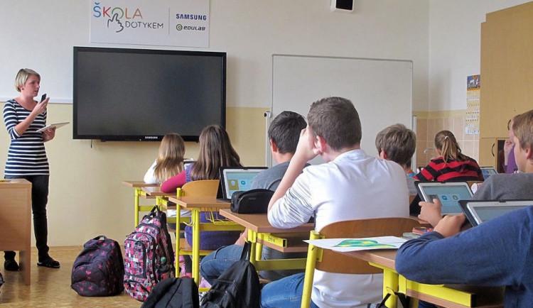 Budeme na učitele apelovat, aby začali pozvolna, říká před návratem dětí do lavic ředitel základky
