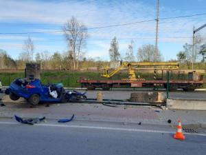 Další tragická nehoda na jihu Čech. Ve Veselí zahynul řidič po nárazu do sloupku