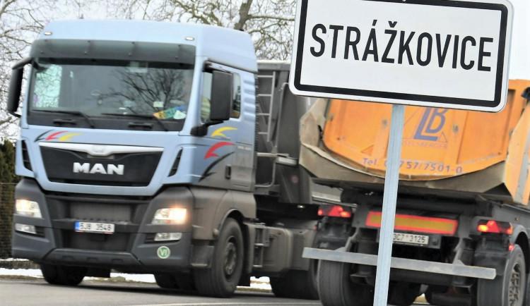 Kraj kvůli úhradě poplatku na vynětí pozemků navýšil finance na stavbu obchvatu Strážkovic