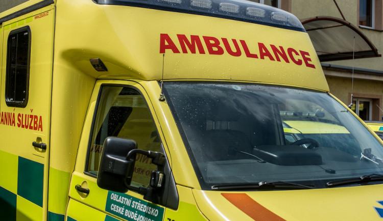 Další smrtelná nehoda na jihu Čech. V Kardašově Řečici srazil automobil chodce