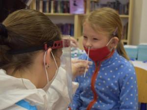Testy na covid v jihočeských školách podstoupilo téměř 200 tisíc dětí