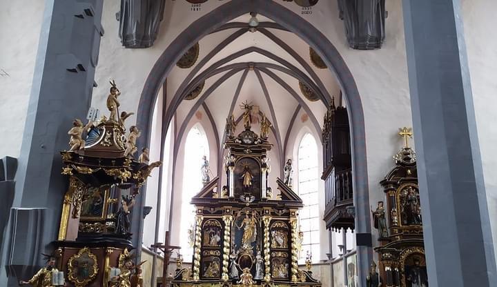 V Prachaticích byl dnes po rekonstrukci slavnostně otevřen kostel sv. Jakuba
