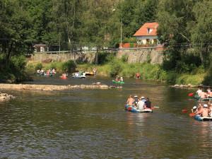 Čechy letos zahraniční dovolená neláká, polovina nepojede nikam
