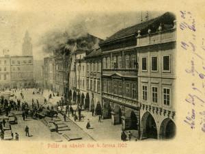 České Budějovice objektivem Milana Bindera a perem Martina Maršíka: Kdo utekl od požáru, platil