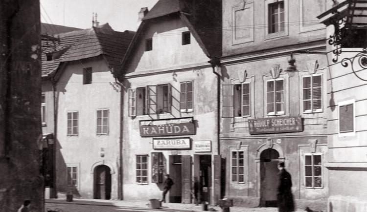 DRBNA HISTORIČKA: V Kněžské sídlila První realitní a zprostředkovací kancelář. Vlastnil ji Václav Kahuda