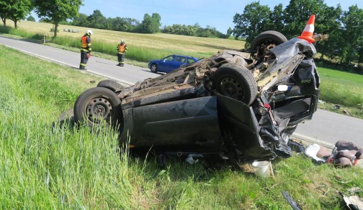 Tragická dohra nehody u Hracholusk. Těžce poraněné dítě zemřelo v nemocnici