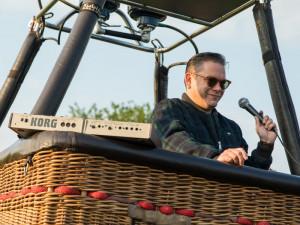 SOUTĚŽ: Tohle je jednoznačně nejujetější místo koncertu, říká Matěj Ruppert o vystoupení v balonu