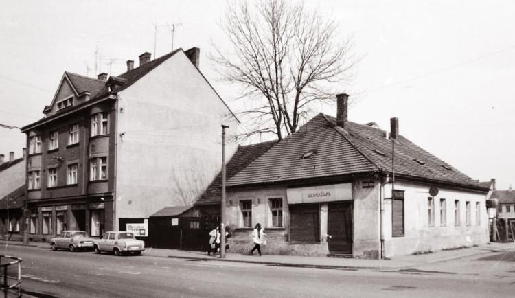 DRBNA HISTORIČKA: Pracovní název Polikliniky Jih byl Okresní ústav národního zdraví