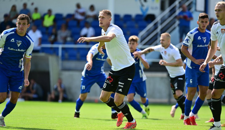 První výhra v přípravě, Dynamo rozstřílelo Vlašim