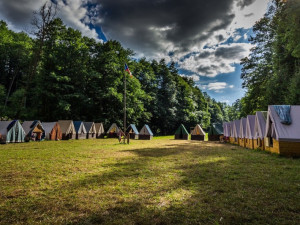 Pozitivní test na koronavirus ukončil skautský tábor na Strakonicku. Děti jdou do karantény