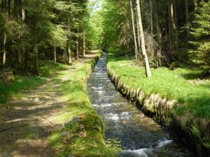 Akce u Schwarzenberského kanálu připomněla 60 let konce plavení dřeva