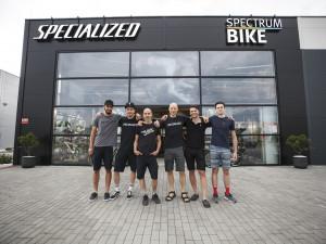 Chtěli jsme vytvořit designový obchod, kde bude nákup kola zážitkem, říká majitel Spectrumbike. Prodejnu najdete nově v Českém Vrbném