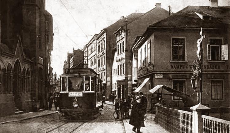 DRBNA HISTORIČKA: Most v ulici Karla IV.