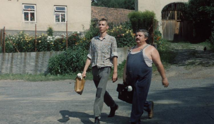Před 35 lety měla premiéru komedie Vesničko má středisková