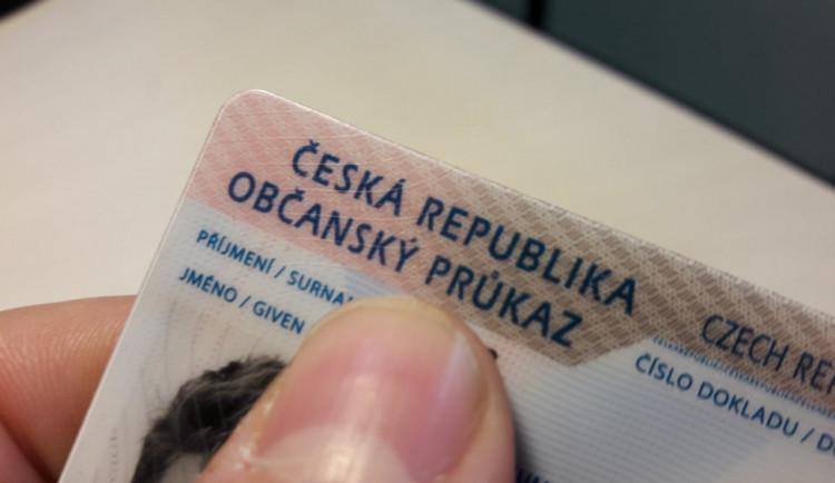 Úřady dnes začnou vydávat nové občanky s biometrickými údaji