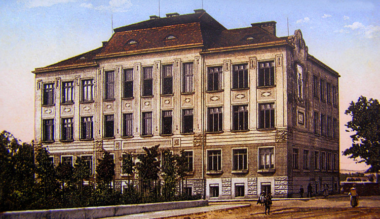 DRBNA HISTORIČKA: Obchodní škola
