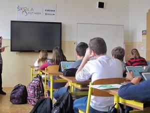 Ředitelé základních škol na jihu Čech chtějí, aby se žáci vrátili k běžné výuce