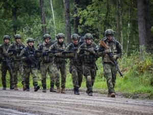 Bobřík mlčení v Litvě: Češi se zúčastnili tradiční soutěže o nejlepší pěchotní jednotku