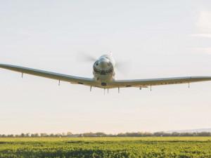 Devatenáctiletá pilotka se vydala na sólo let kolem světa. Na světový rekord zaútočí s česko-slovenským letounem Shark
