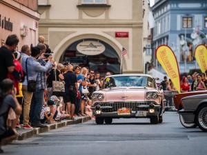 Veteránskou South Bohemia Classic pojede 160 posádek. Nejstarší vůz je z roku 1933