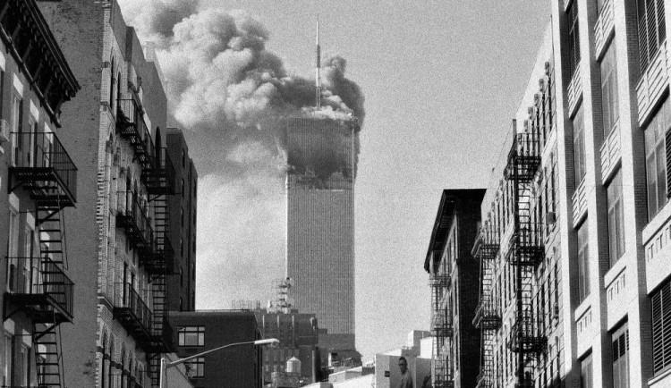 Bylo to šílené, viděli jsme útok i následné zřícení obou dvojčat, vzpomíná na 11. září český fotograf
