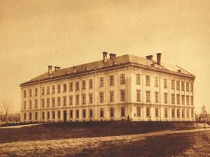 V areálu na Průmyslové ulici se vyrábí už bezmála 150 let aneb Od Tabačky k Viscofanu