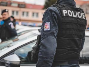 Policie má muže podezřelého z trestného činu, který souvisí se zapáleným BMW