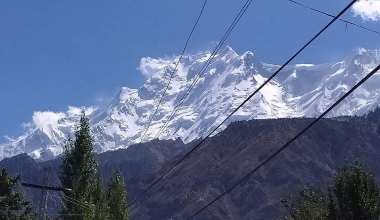 V Pákistánu se pokouší zachránit dva české horolezce. Uvázli při sestupu z hory Rakapoši