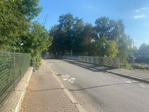 Poničený most u Jiráskova jezu odstraní. Na jeho místě postaví nový