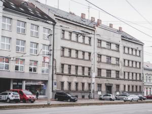 Dům, kde sídlila policie, bude prodávat stát. Z prodeje městu sešlo