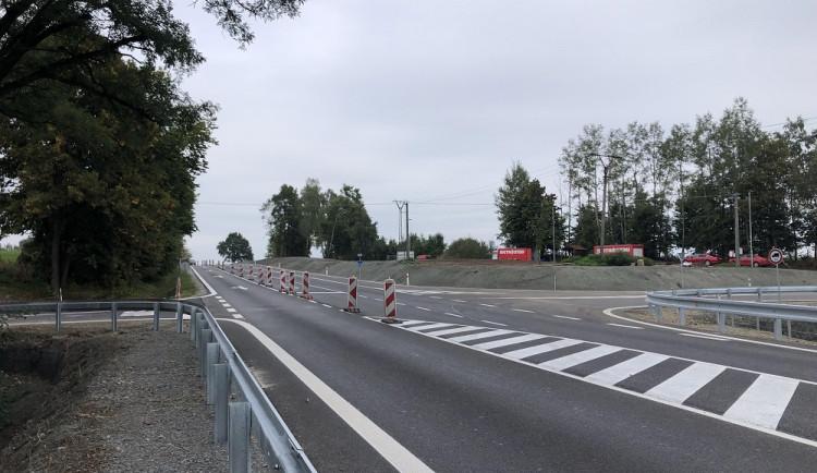 Křižovatka u Velešína je průjezdná bez omezení, dopravní značení zmizelo