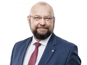 Politik, dramaterapeut, ochotník. Na dotazy čtenářů bude v online chatu odpovídat dvojka kandidátky SPOLU Jan Bartošek