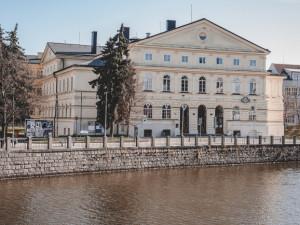 Radnice neví, zda získá dotaci na hlavní sál kulturního domu Slavie