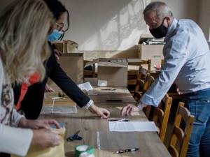 Politici na jihu Čech před volbami vsadili na osobní kontakt s lidmi