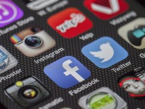 Facebook, Instagram a WhatsApp zaznamenaly rozsáhlý výpadek